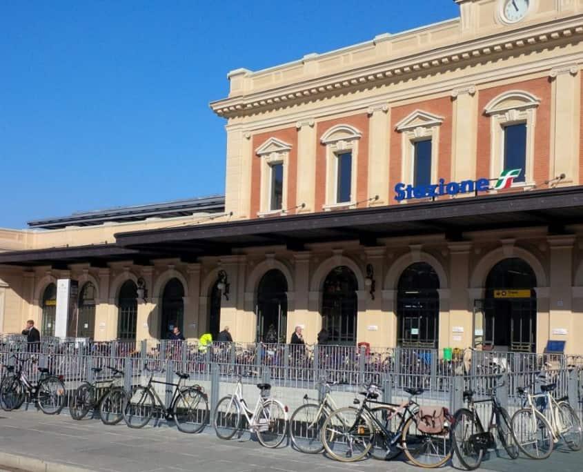 Estação de trem em Parma