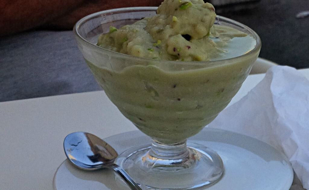 Cafè da manhã em Palermo: granita de pistache