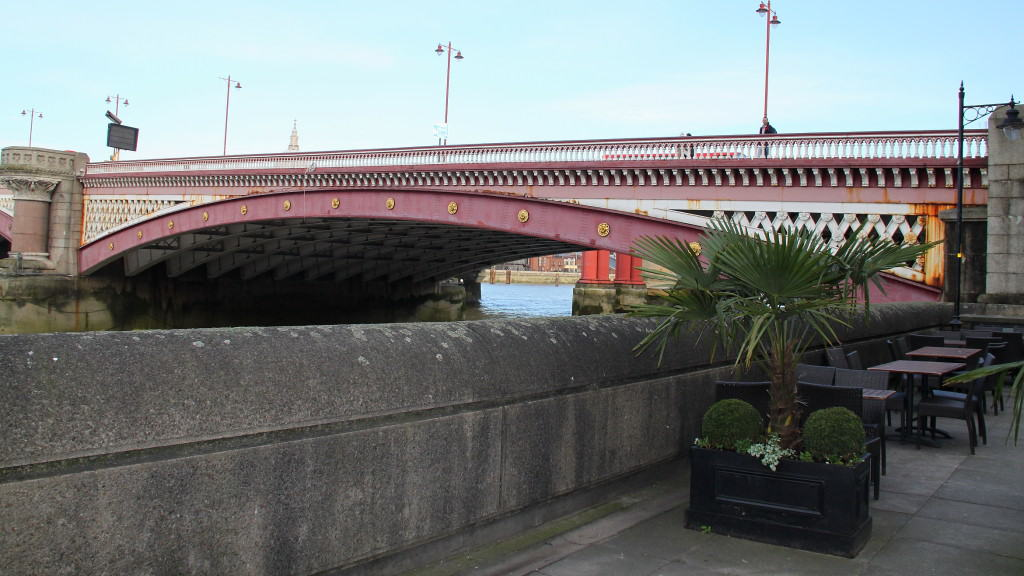 Southbank-Blackfriars Bridge