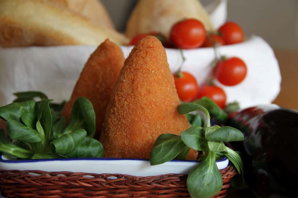 pratos tipicos italianos-arancini