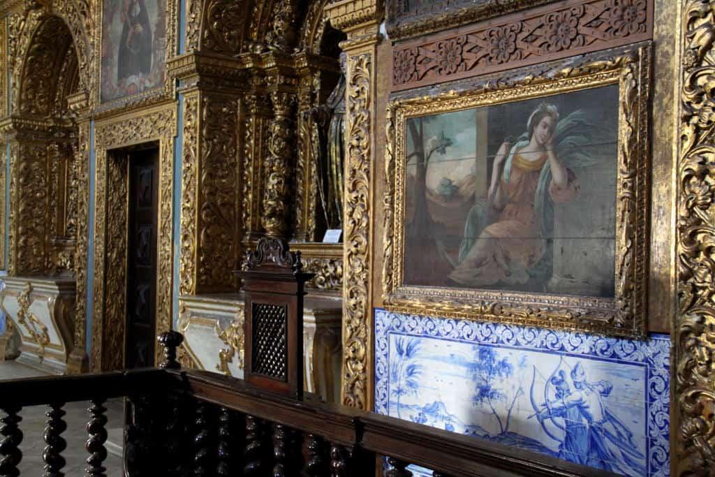 detalhe da capela dourada