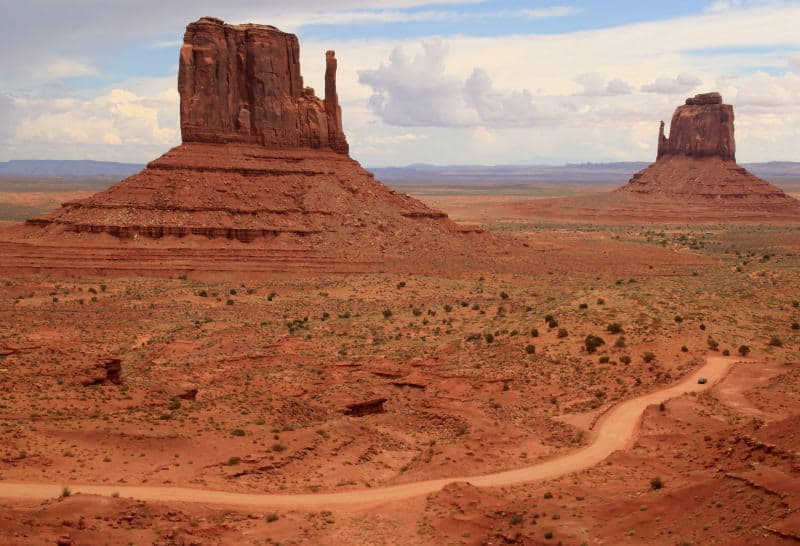 De carro no Monument Valley
