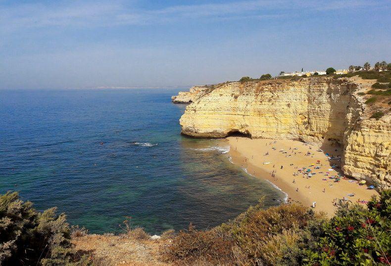 Praia Vale de Centianes