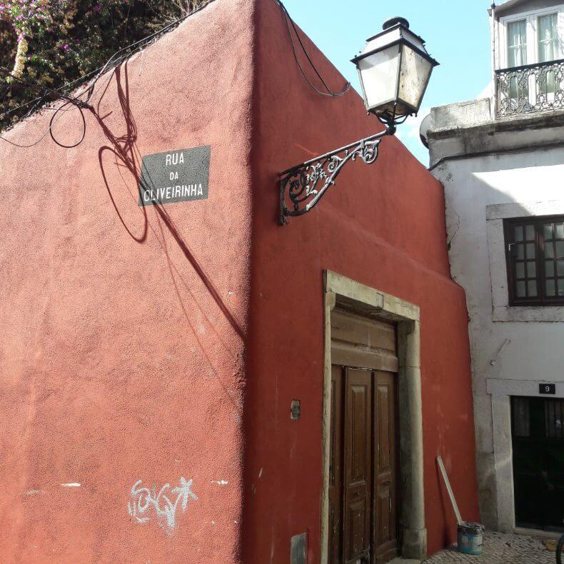 ruas mais bonitas do bairro Alfama